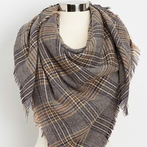 🎄🎄 MAURICES PLAID BLANKET SCARF 🎄🎄